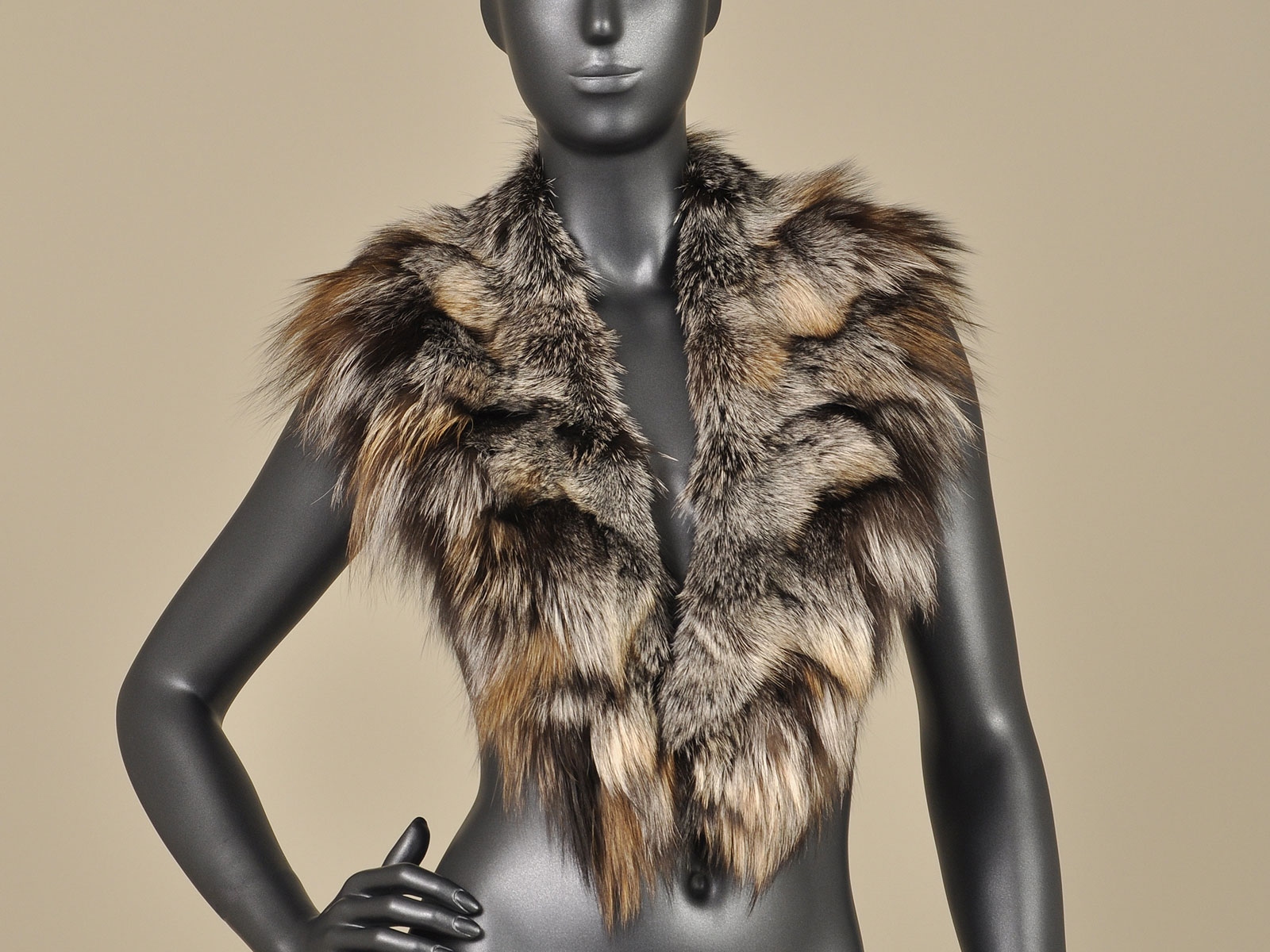 crystal silver fox legs collar